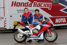 John McGuinness Guy Martin Honda CBR1000RR Fireblade SP2 z