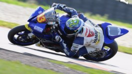 Patryk Kosiniak wygrywa puchar Yamaha R6 Dunlop Cup