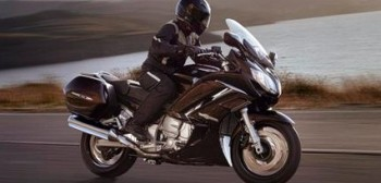 2013 Yamaha FJR1300 - delikatny powiew świeżości