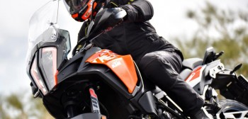 KTM 1090 Adventure i KTM 1290 Super Adventure S - oblicza przygody