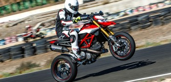 Ducati Hypermotard 950 - ekstra emocje i ekstrawagancja [TEST]