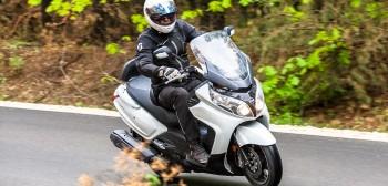 SYM MaxSym 600i ABS - budżetowa waga ciężka