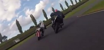 Dwusuwowe skutery vs motocykle sportowe