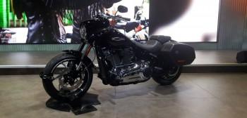 Harley-Davidson Sport Glide: gustowny kameleon
