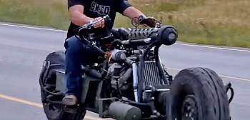 Motocykl z silnikiem diesla z napędem na wszystkie koła zrobiony ze zlewu kuchennego - profesjonalny odlot!