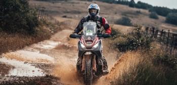 Skuter Honda X-ADV pokonał motocykle enduro na rajdzie Gibraltar Race 2019