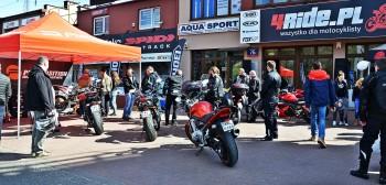 Praca czeka na motocyklistę! Salon 4ride w Krakowie szuka Doradcy Klienta