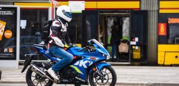Motocykle vs komunikacja zbiorowa. Pandemia zmieniła wszystko