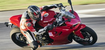 2021 Ducati Supersport 950: opis, dane techniczne, zdjęcia