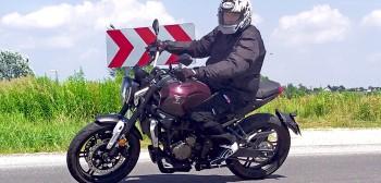 Stylowy Voge 300AC - test, opinia, wrażenia, cena. Czy potrzeba mocy, aby cieszyć się z jazdy motocyklem?