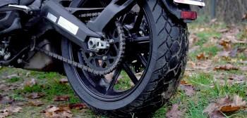 Ocena opon motocyklowych w oparciu o liczbę przejechanych kilometrów? To możliwe, ale nie takie proste