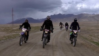 Co warto zobaczyć w Kirgistanie? Issyk-kul, Song-kol, Barskoon, Kumtor, Skazka. Motul Azja Tour 2020