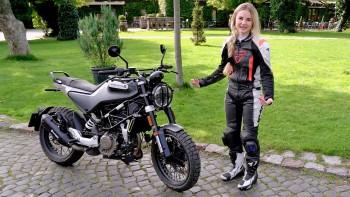 Husqvarna Svartpilen 125 i Karolina Waś – sprawdzamy duży motocykl dla osób bez prawa jazdy kat. A
