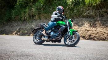 Benelli BN 302 i 190cm wzrostu motocyklisty - jak wypada w teście?