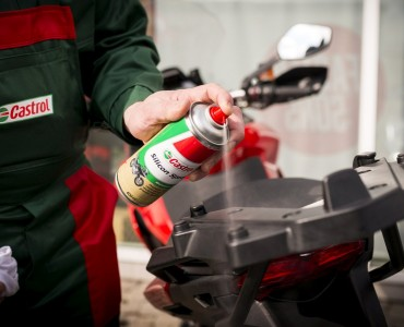 Castrol Silicon Spray konserwacja z