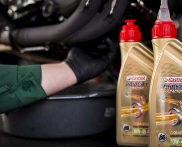 wymiana silnikowego oleju motocyklowego z