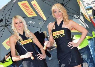 Piękne dziewczyny na World Superbike w Assen