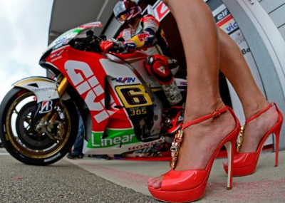 Dziewczyny na MotoGP Niemiec - fotogaleria