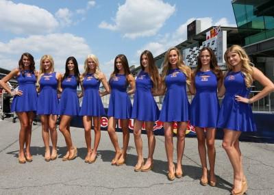 Śliczne dziewczyny na GP Czech - galeria zdjęć