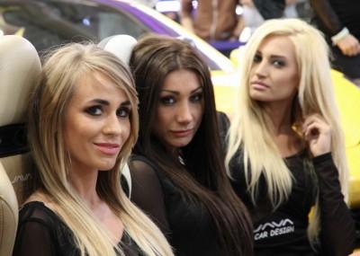 Piękne dziewczyny na Poznań Motor Show