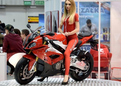 Najpiękniejsze dziewczyny na warszawskiej wystawie motocykli i skuterów