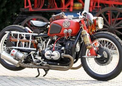 Customowy motocykl strażacki - Dniepr K-650 gasi pożary i rozpala serca miłośników gatunku