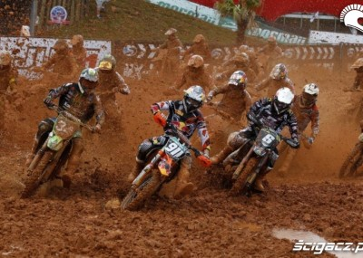 Błotniste Grand Prix Brazylii - spektakularna galeria