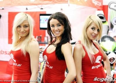Dziewczyny i motocykle na targach w Warszawie 2011