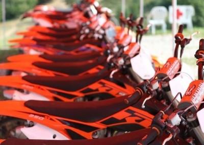 Porównanie terenowych motocykli KTM - okiem fotografa