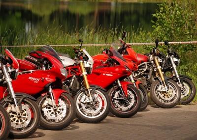 Zlot motocykli Ducati nad Jeziorem Białym