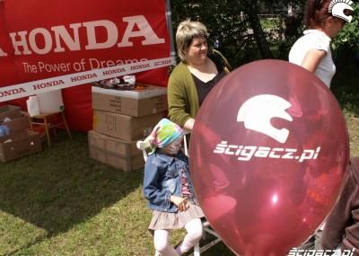 Dzień Dziecka 2010 w CZD - motocykliści dzieciom