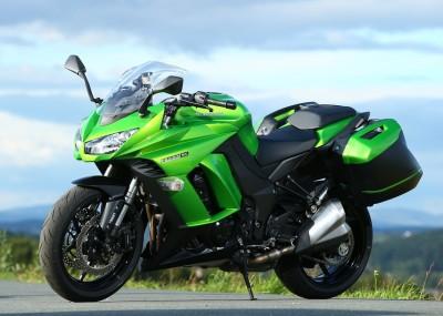 Zielona rakieta Kawasaki - nowe Z1000SX na zdjęciach