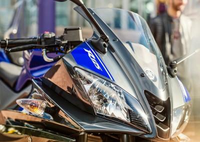 Mała Yamaha w sportowym stylu - fotogaleria R125