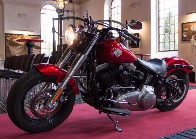 Harley Davidson wraca do przeszłości - Softail Slim na zdjęciach