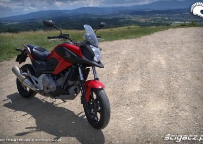 Honda podnosi poprzeczkę - uniwersalna NC700X na zdjęciach