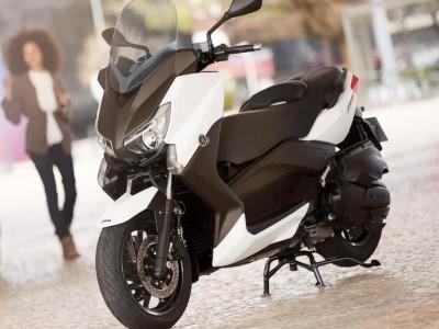 Yamaha-X-MAX-400 18938 1