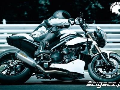 zlozenie na torze Triumph Speed Triple 2011