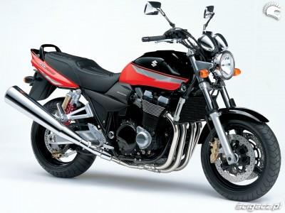 czarno czerwone malowanie Suzuki GSX 1400