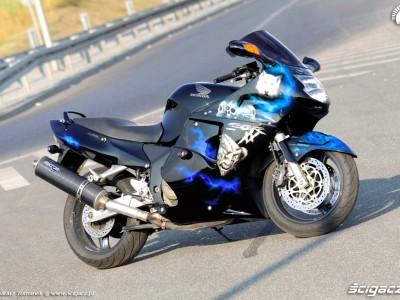 Honda CBR1100XX Blackbird prawy bok