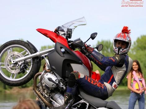 bmwr1200gs wheelie 1280 1024