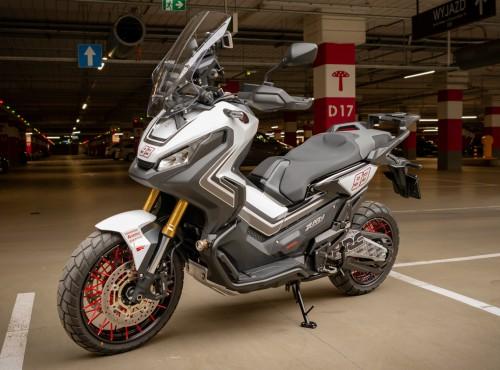 Maxiskuter na grubo - odjazdowa Honda X-ADV z Poznania