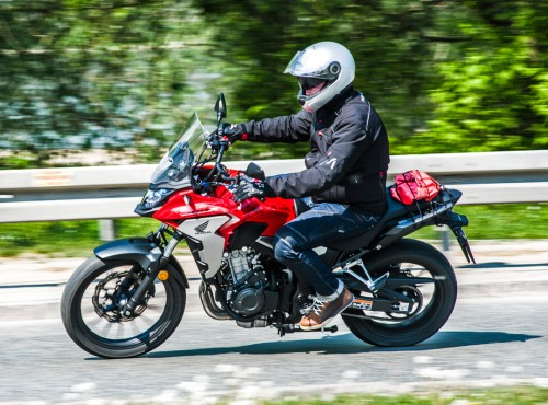 Honda CB500X - wygodna kawalerka dla singla [TEST W TRASIE]