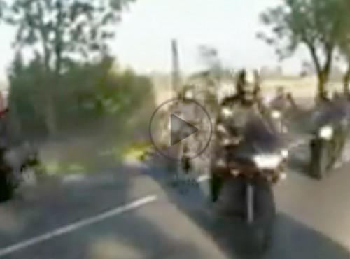 Jazda w kolumnie lub grupie motocykli - jak tego nie robić?