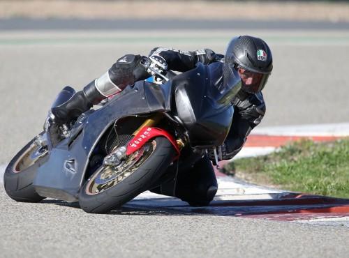 Nowa opona wyścigowa - Dunlop D213 GP Pro