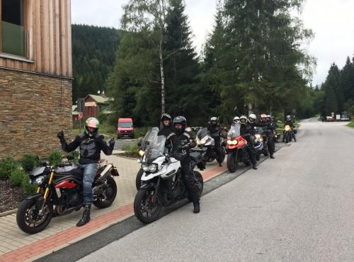 Burzowy Triumph Ride Event w Karkonoszach