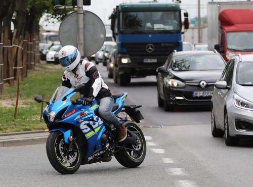 Motocykliści kontra kierowcy aut - lista nie zawsze słusznych zarzutów