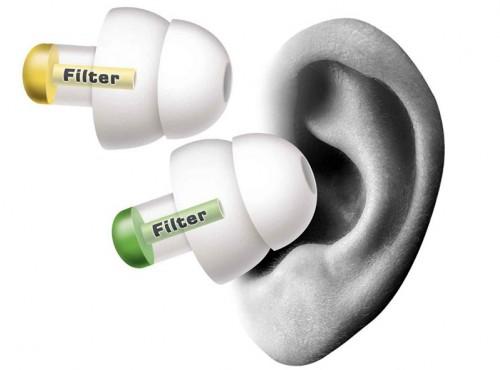 Uszkodzenie słuchu już po kwadransie. Szokujący raport ADAC