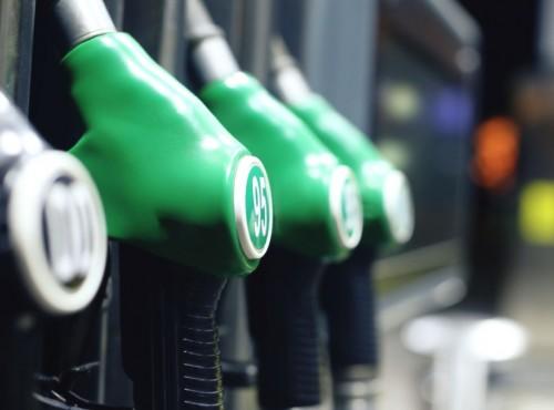 10 groszy drożej za litr benzyny. Opłata emisyjna zatwierdzona przez rząd