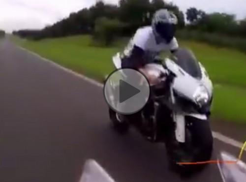 Metoda szybkościowa czyli naked ze sporta przy 320 km/h [FILM]