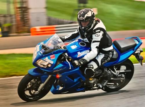 Niepełnosprawna motocyklistka przejedzie okrążenie przed każdym wyścigiem British Superbike